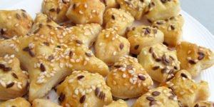 biscuiti crocanti cu branza, unt si seminte